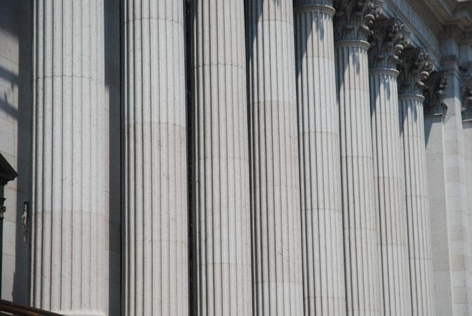 columns-756619_960_720